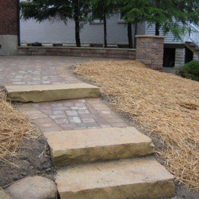 Paver Walkway & Stone Step