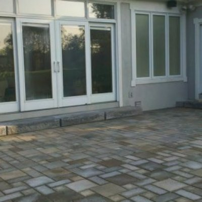 Concourse series paver patio