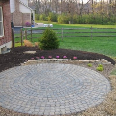 Paver Patio & Stone Retaining Wall