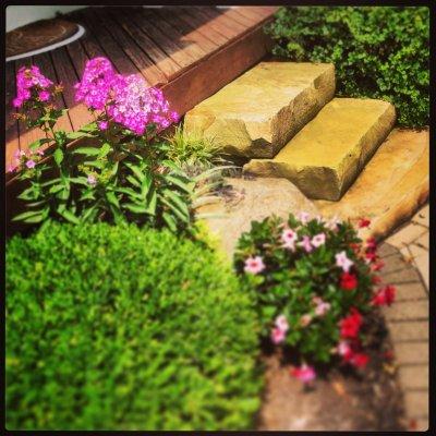 Landscape Design with Natrual Stone Steps
