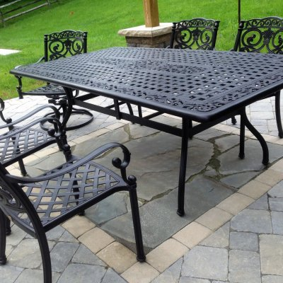 Coldstream Patio Illregular Pennsylvania Blue Flagstone Inlay