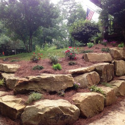 Landscape Desgin With Sandstone Retaining Wall
